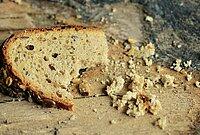 Tranche de pain qui par en miette
